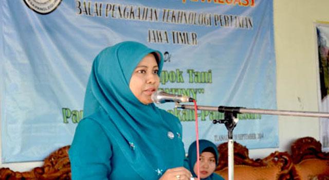 Istri Bupati Pamekasan Achmad Syafii, yakni Anny Syafii.