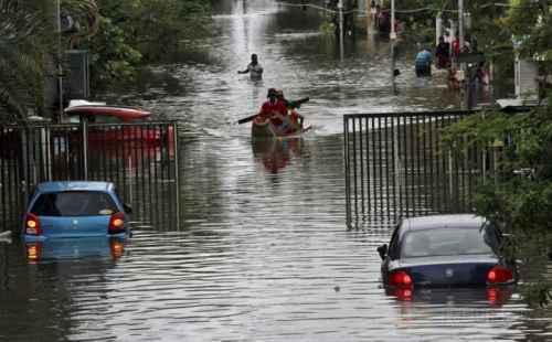 jalan-penghubung-bangkalan-sampang-terendam-banjir-rHTTHolCOB.jpg