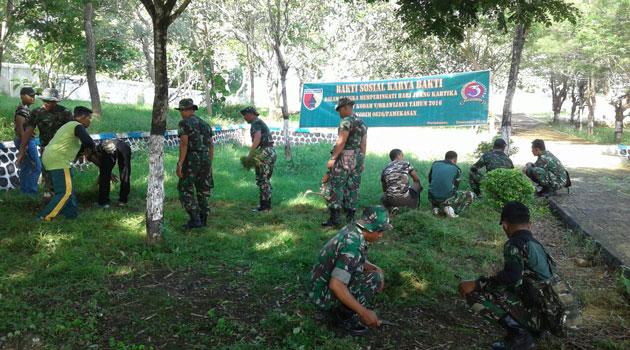 Bakti Sosial Kodim 0826 di Taman Makam Pahlawan (TMP) Pamekasan, Madura, Kamis (1/12/2016)