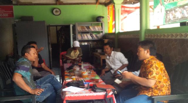 Diskusi Pengembangan Usaha Pertanian melalui Pemanfaatan Perpusatakaan Desa di Desa Bajang, Kecamatan Pakong, Pamekasan, Madura.