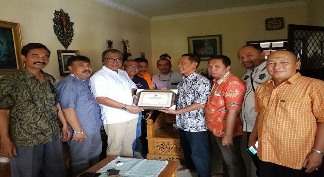 Silaturrahman Pengurus PWI Jatim dengan wartawan senior Hadiaman Santoso
